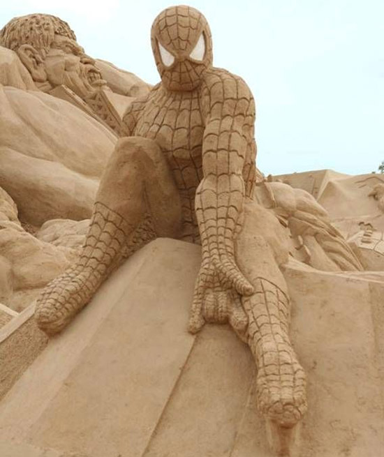 fatspidermansculpture