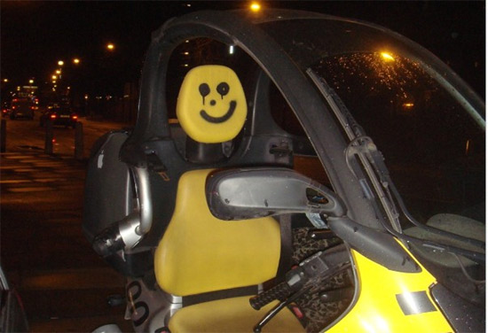 smiley-on-car