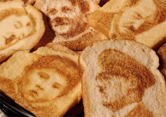 history-people-on-toast2