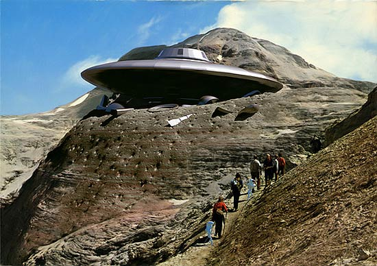 space-ship-in-mountain