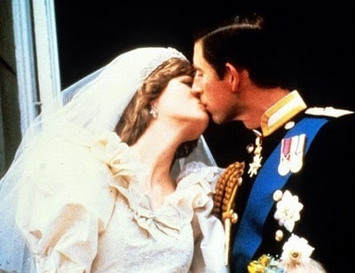 princess_diana_prince_charles_royal_kiss