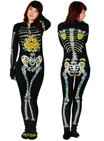 cb1b4a35e4 This really cool pajama allows you to look like a skeleton
