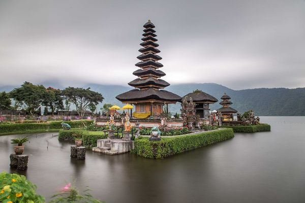 Most Beautiful Temples In Asia Conclude With Pura Ulun Danu Bratan