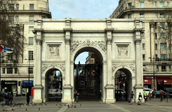 The Marble Arch's Origins Make Up Some Interesting Facts About Tuscany